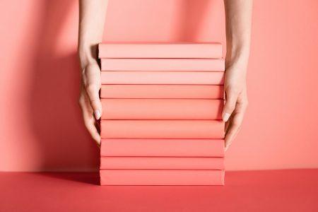 25 kreatywnych projektów okładek książek – znajdź inspirację dla siebie