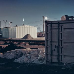 ФейФань Чжань: Исследование темных зон, наполняющих город