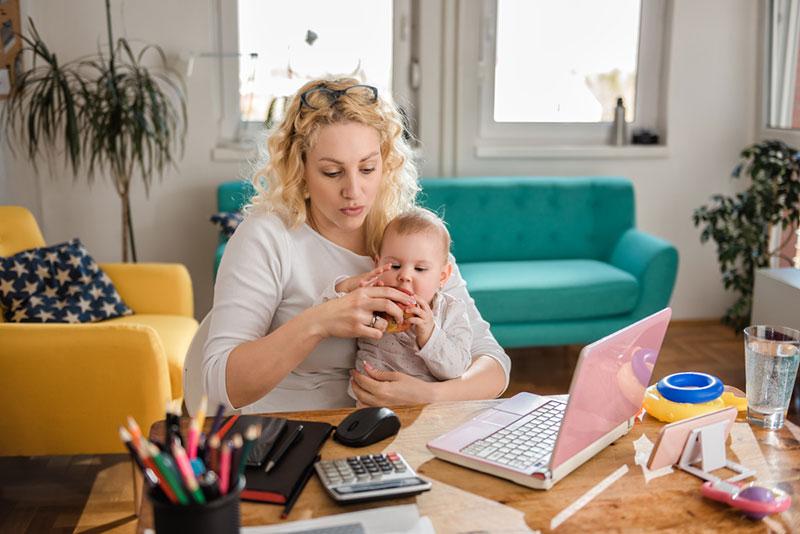 ото работающей мамы с ребенком