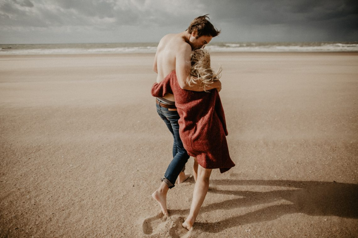 Фото пары на пляже