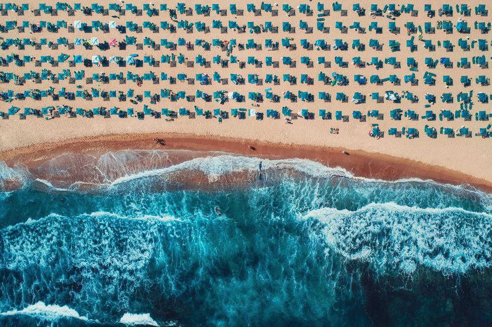 Фото вид на пляж с воздуха