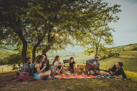 За что мы любим друзей: коллекция фото и видео к Международному дню дружбы