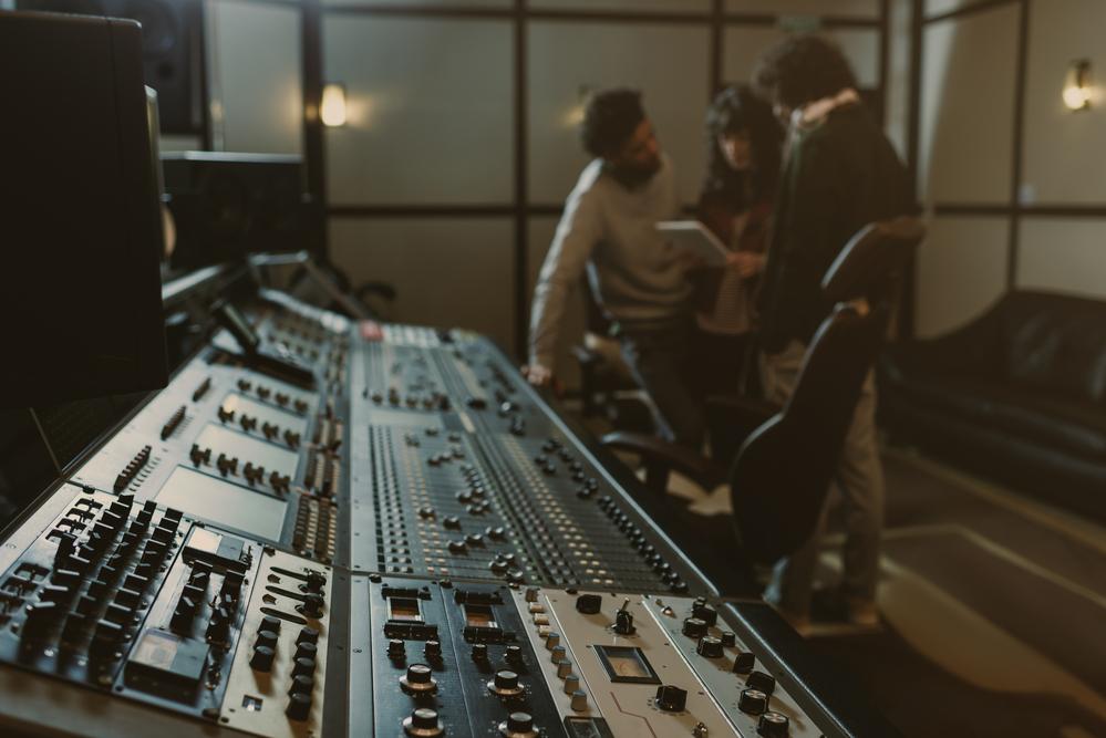 Фото аппаратура в звукозаписывающей студии