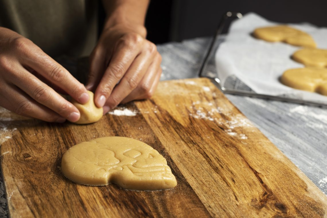 Приготування печива у формі черепа