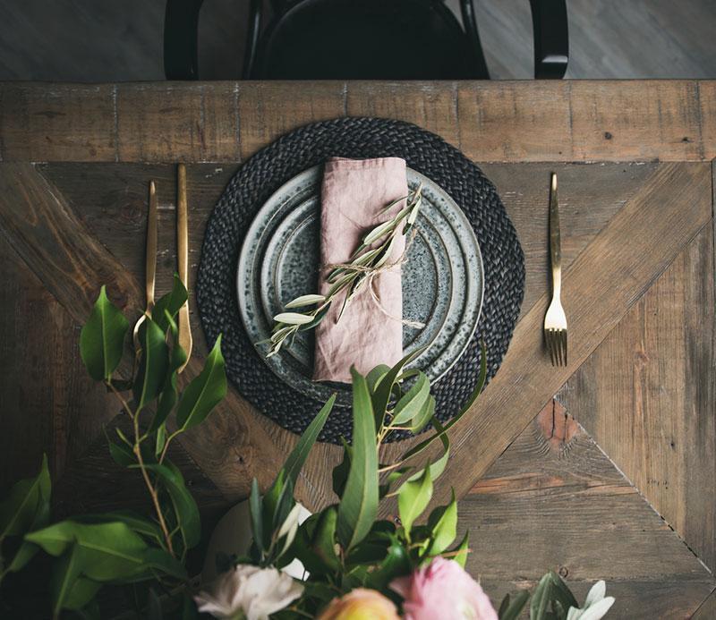 Фото святкове сервування столу