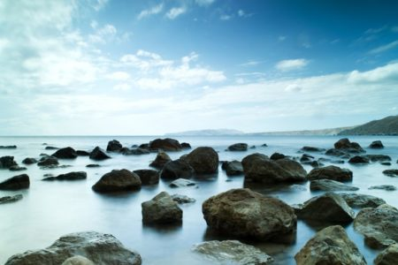 Sleeping sea under the blue sky © Depositphotos