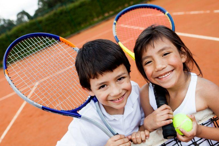 Young tennis players © Depositphotos