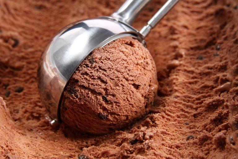 Chocolate ice cream scoop | Stock Photo © Depositphotos