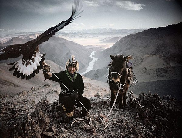 Photographs of vanishing tribes before they pass away by Jimmy Nelson