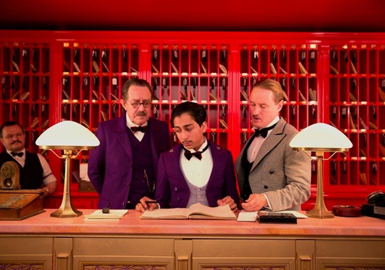 grand-budapest-hotel-tony-revolori-owen-wilson