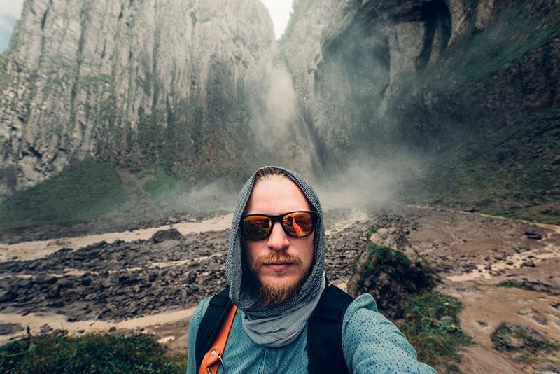 photograph of traveling man from Sergey Tinyakov's portfolio