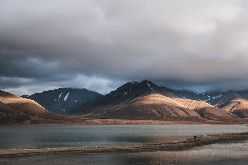 top-behance-photography-projects---LONGYEARBYEN-..2