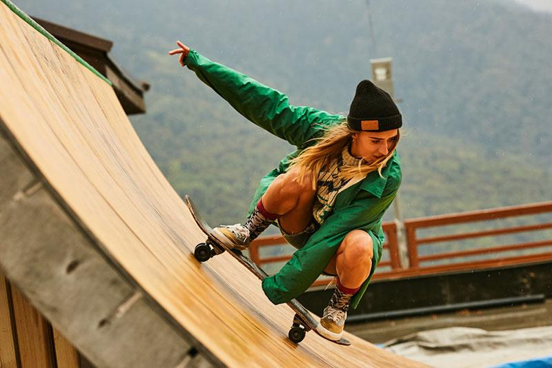 Evgeny Lobanov photography - woman skateboarding
