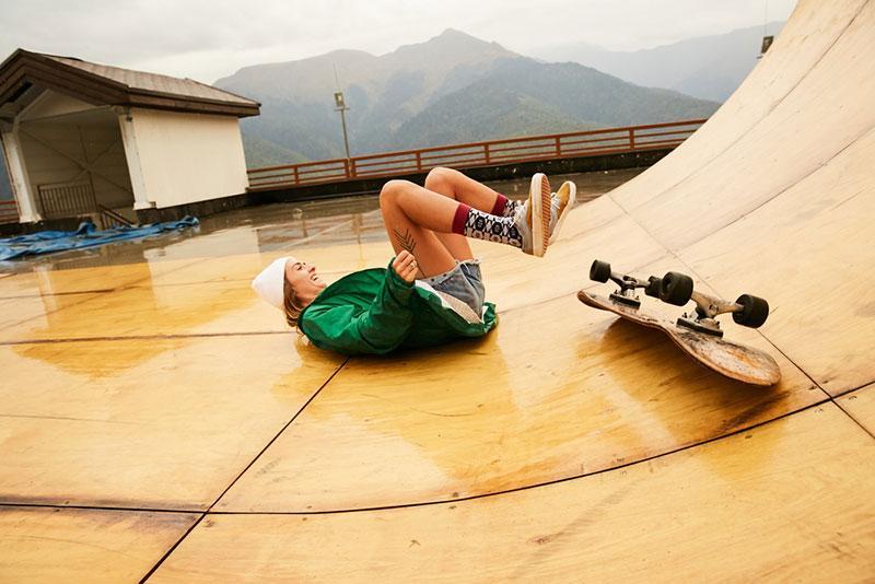 Evgeny Lobanov photography - fallen skateboarder