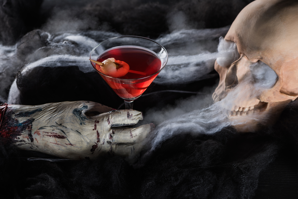 halloween cocktails and skull