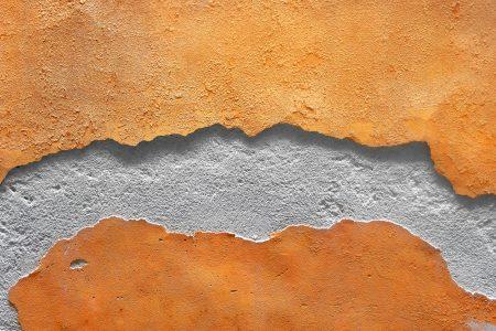 old crakced wall